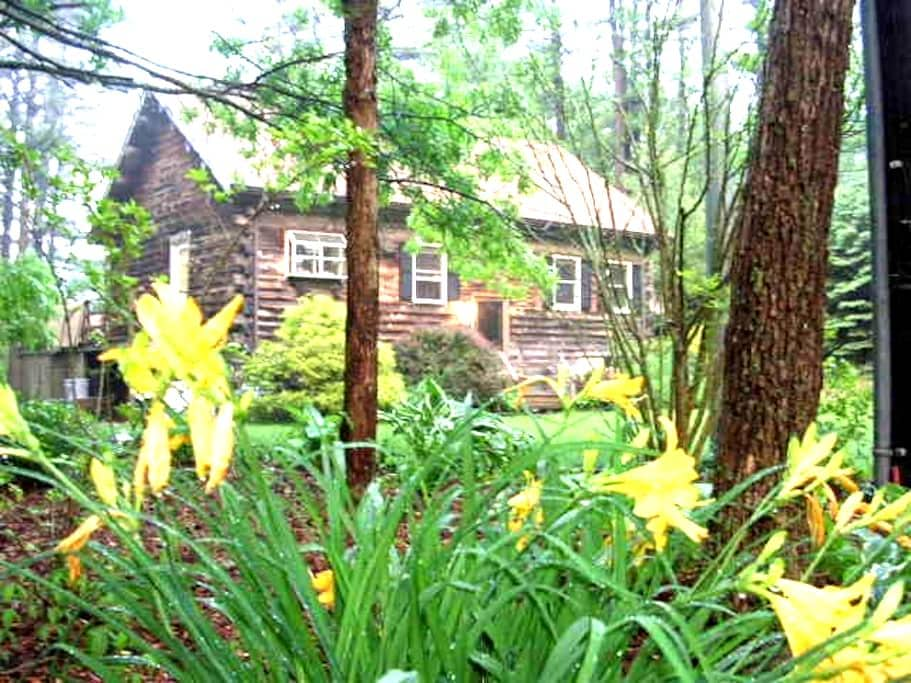 Traditional Log House Near Cape Cod - Plymouth - Casa
