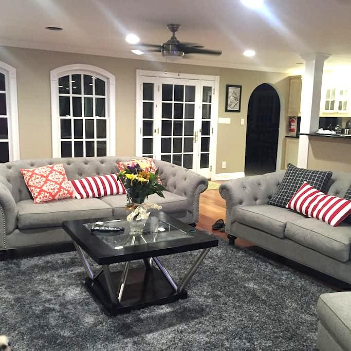 Gorgeous house with private bath in Bedminster - Bedminster Township - House