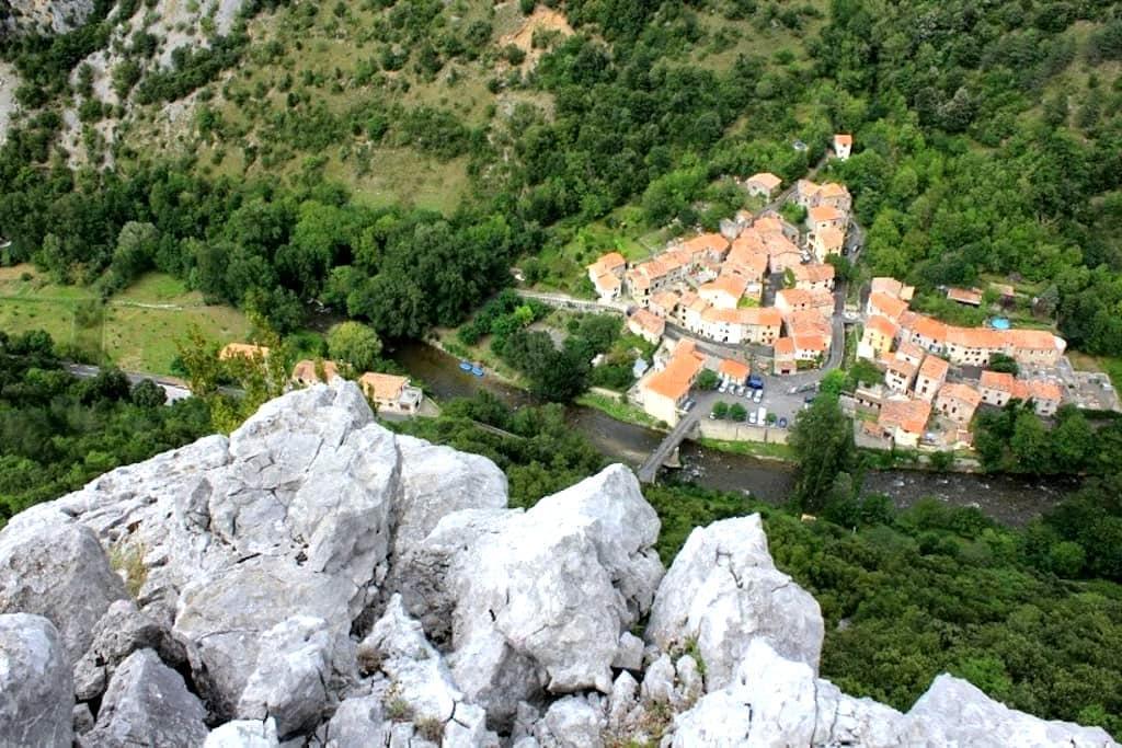 Charming village, stunning views - Saint-Martin-Lys - Huis
