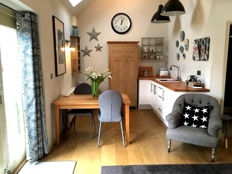 Spacious 1 bed barn conversion in pretty village - Waltham on the Wolds - Gæstehus