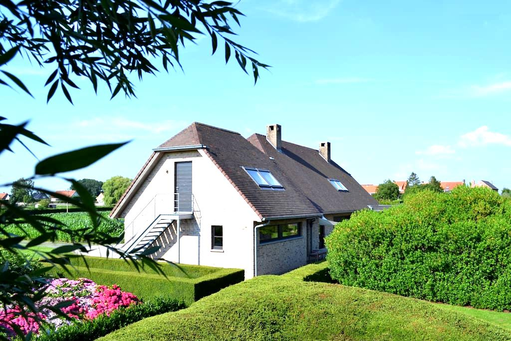 B&B Patricia's Lodge - Zonnebeke - Zonnebeke - Wikt i opierunek