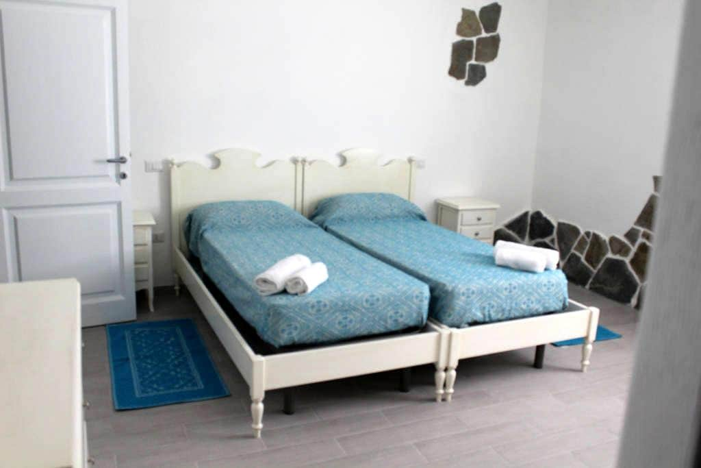 "Bed and Breakfast ""Piccola Roma"" - Bitti - Bed & Breakfast"