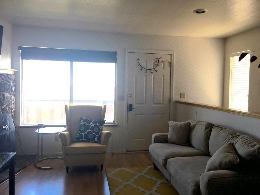 Heavenly Tahoe 3 BR/2 BA condo with stunning views - Stateline - Társasház