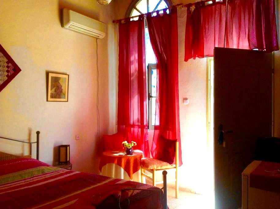 Sharon's Guesthouse - Safed - Bed & Breakfast