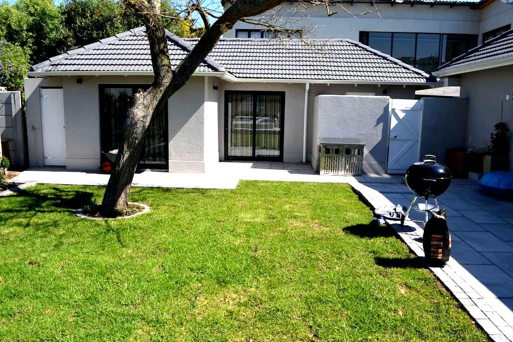 Alice's Cottage - Cape Town - House