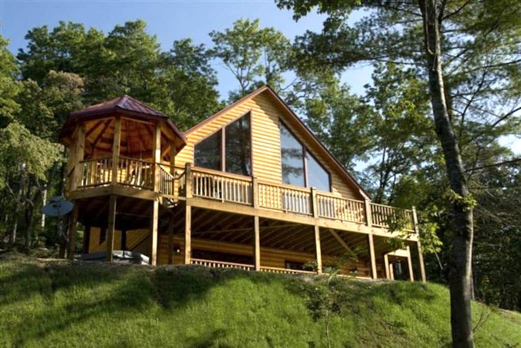 Brye Haus-Private, Stay with us for the spring - Topton - Kulübe