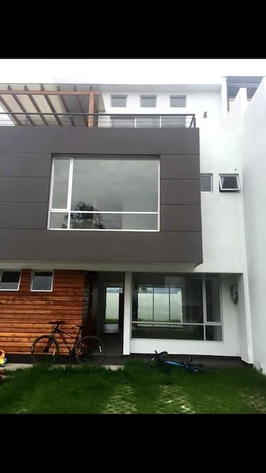 Awesome home near the city . - Quito - Haus