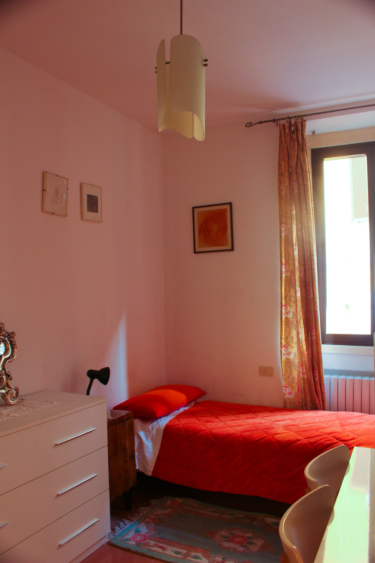 LAURA BNB single room