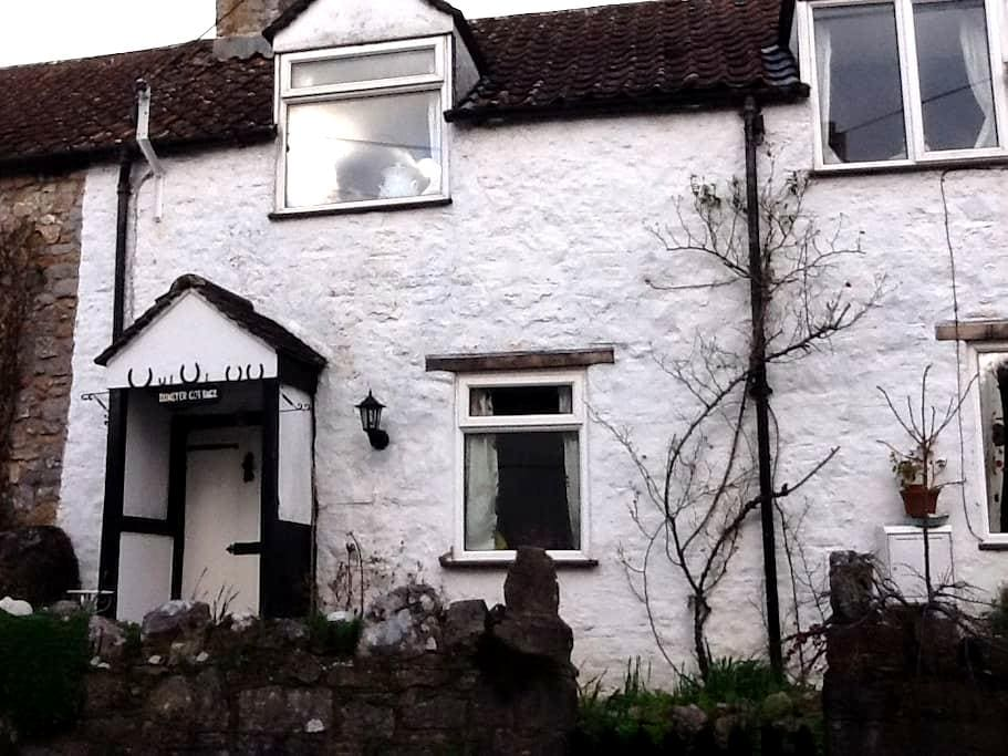 18th Century Cottage - Cheddar
