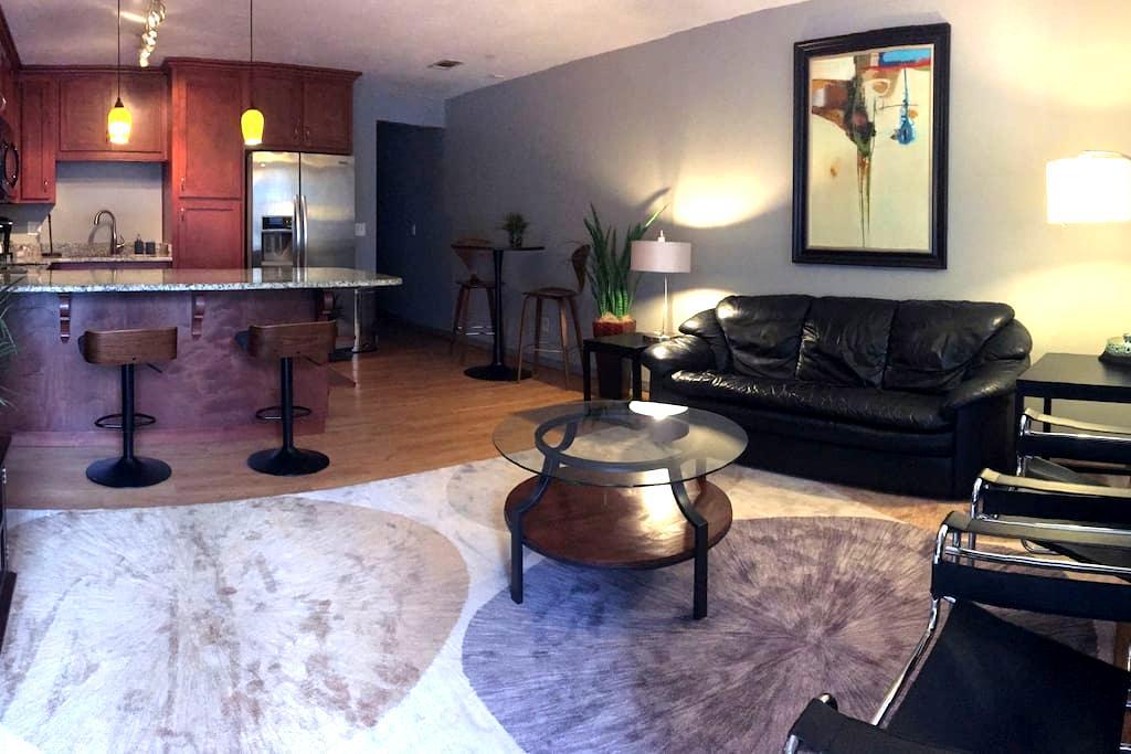 FSU Luxury rental next to stadium - Tallahassee - Apartment