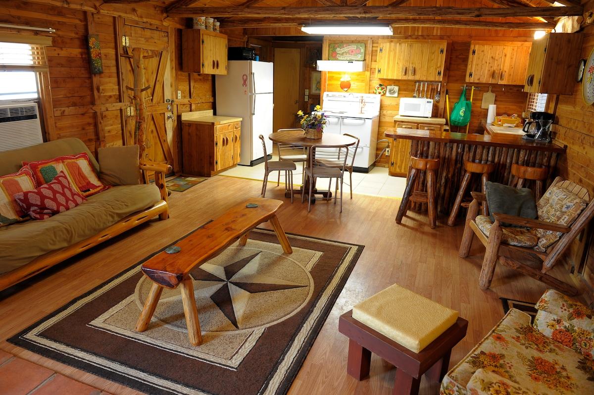 Nonnie's Cabin, Leakey, Texas