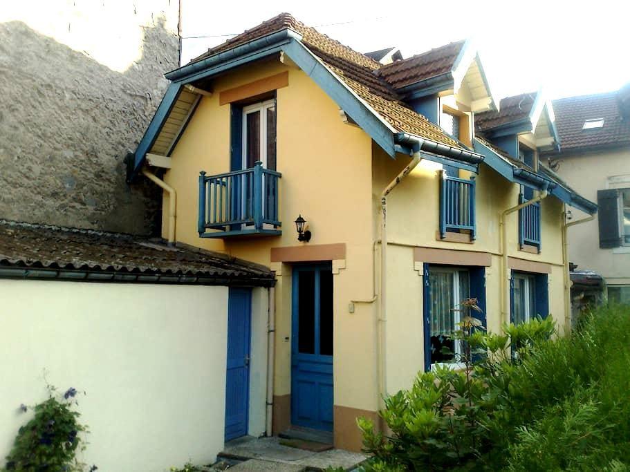 Charmante maison au centre ville - Gérardmer - Haus