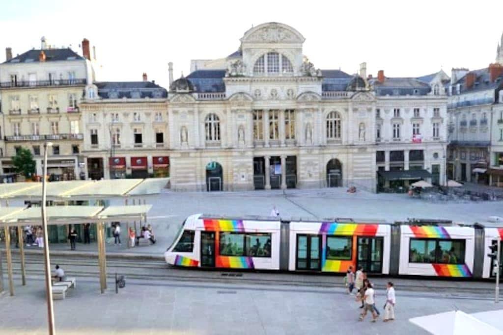 Studio plein centre rue Saint Aubin - Angers - Apartamento