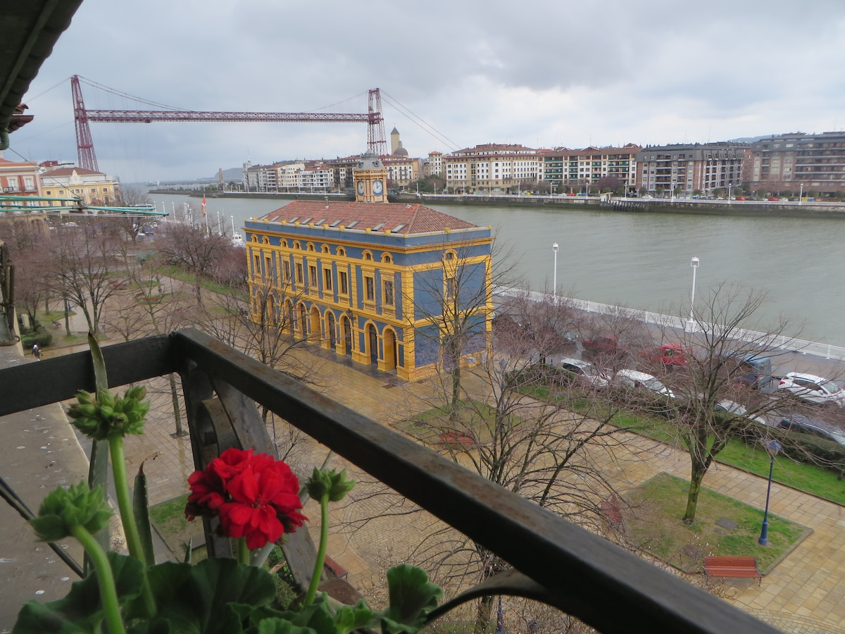 Nice apartment near the bridge