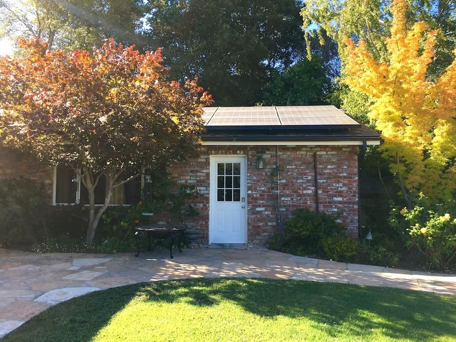 Private guesthouse in between Palo Alto & SF - Hillsborough - Pension