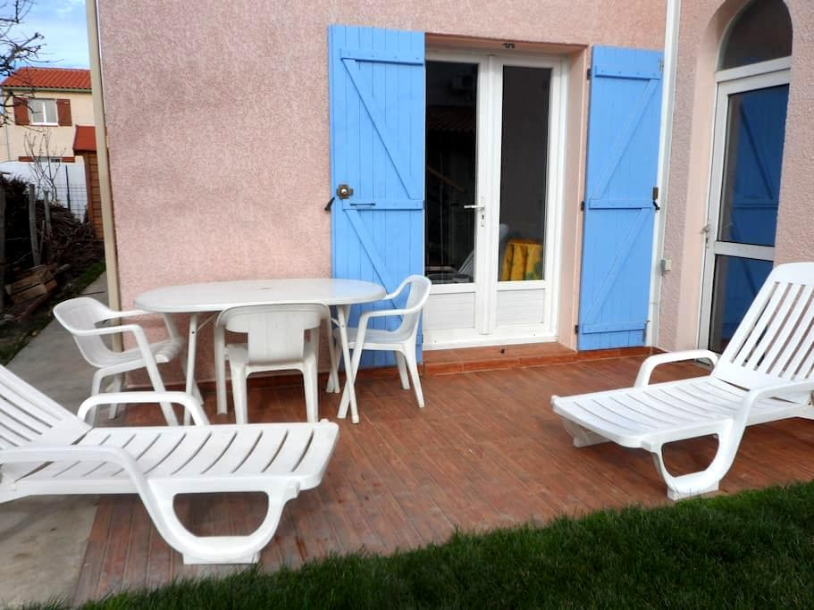 Studio avec mezzanine - Villelongue-de-la-Salanque