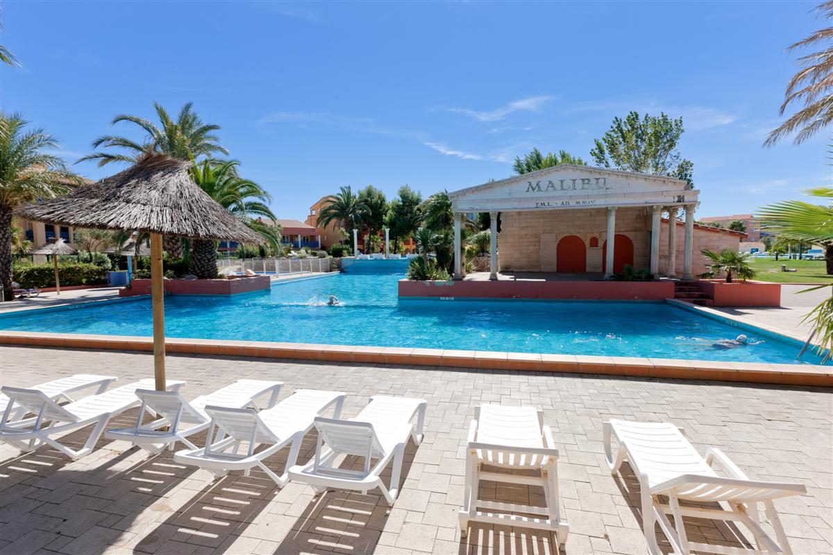 Residence avec piscine, tennis ...