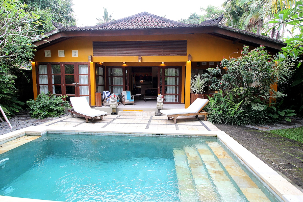 Sweet villa, best 'hood in Ubud!