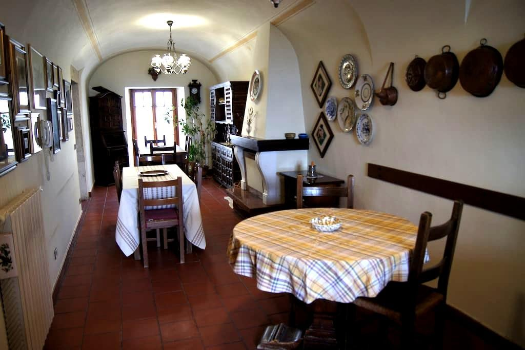 Storico palazzo Pitassi in Pacentro - Pacentro - Bed & Breakfast