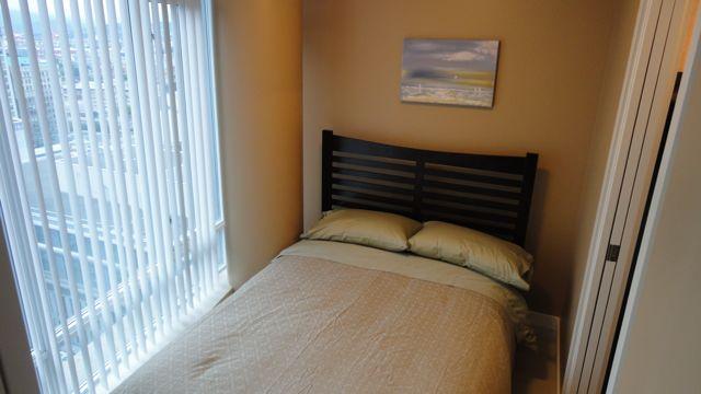 Double bed in Den