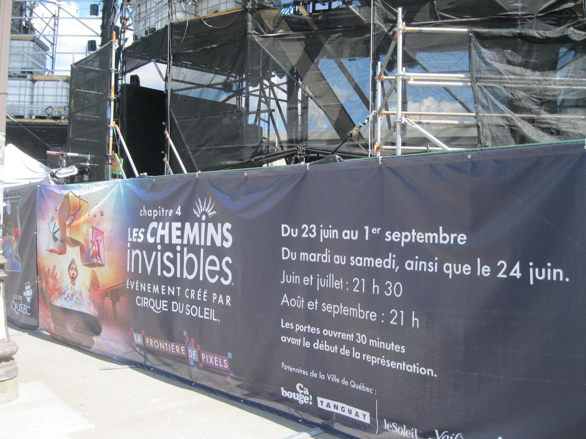 Cirque du Soleil (free entrance) gratuits quebec promotion all summer 2 minutes walk : )