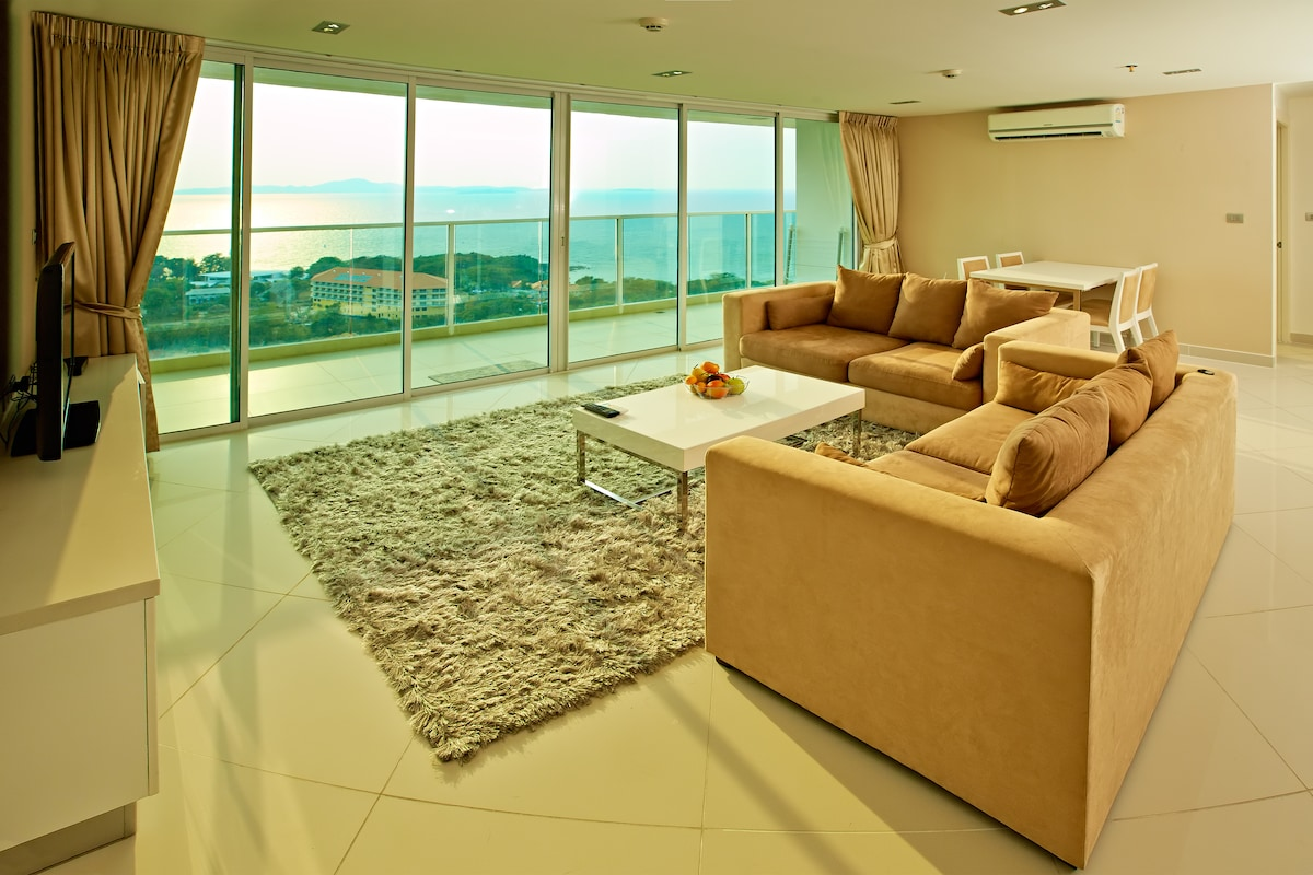 Luxury 2 bed condo,The View 1705