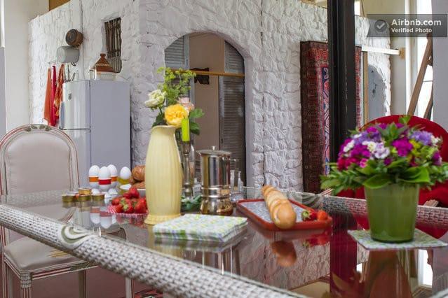 hut&breakfast (Kingston)