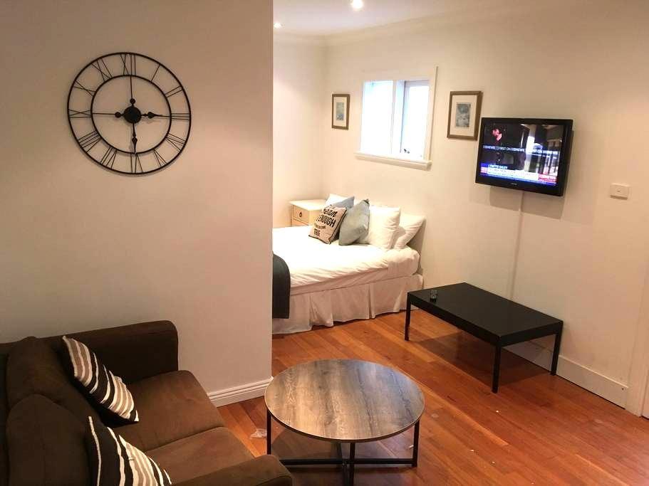 Studio 363 with Kitchenette - Bondi Junction - Apartment
