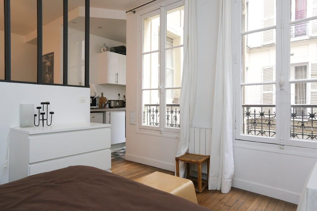 Lovely flat in Montmartre Paris