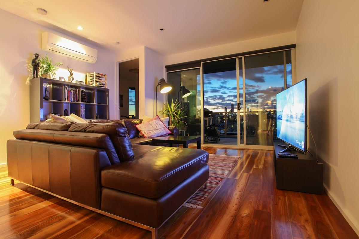 Modern, Secure Richmond Apartment