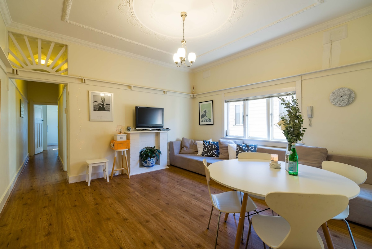 Cosy bondi art deco 2 bedroom apartment apartments for rent in nsw new south wales australia