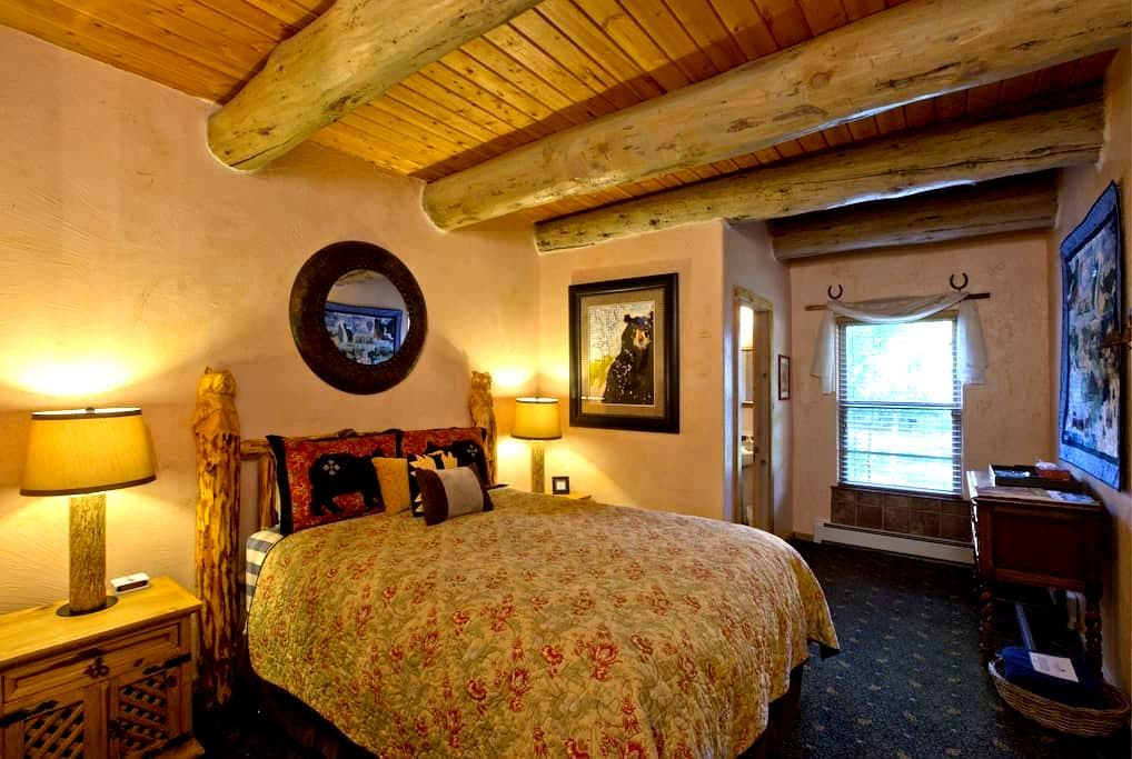 Oso Room of Mariposa Lodge - Steamboat Springs - Bed & Breakfast