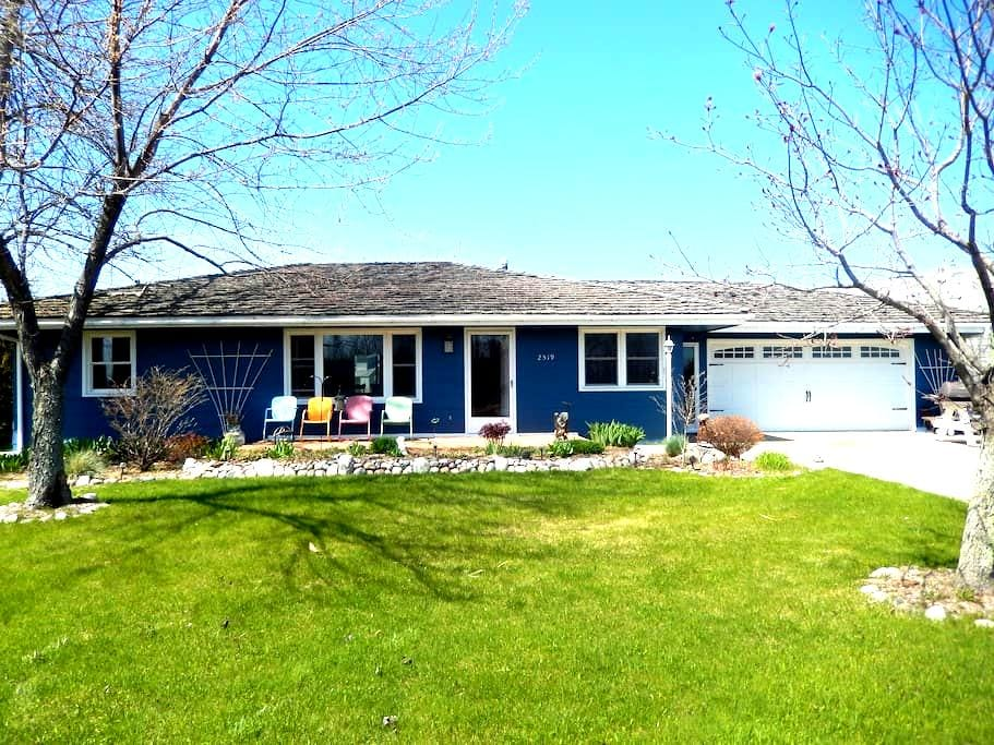 Charming 3BR Lake Huron View Pet Friendly - Cheboygan
