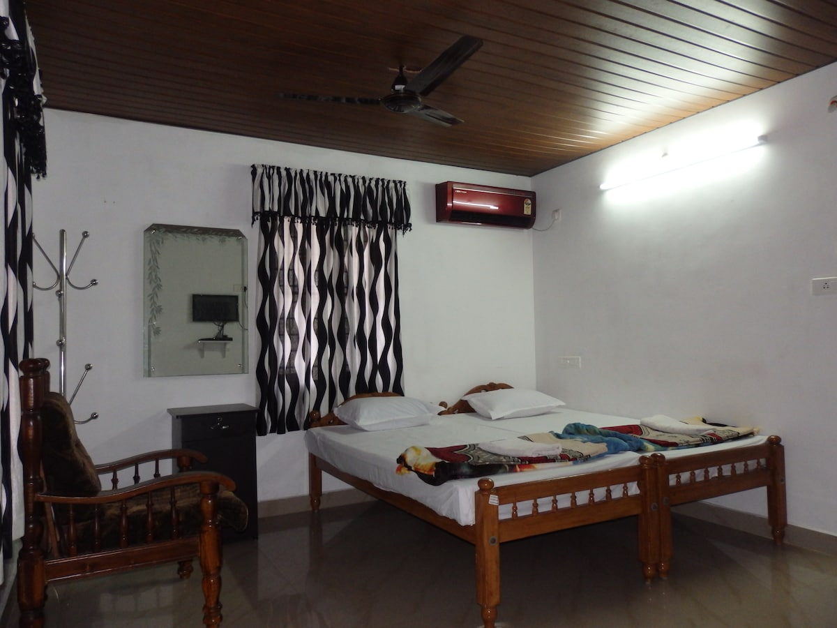 Deluxe Studio Room with Air Con