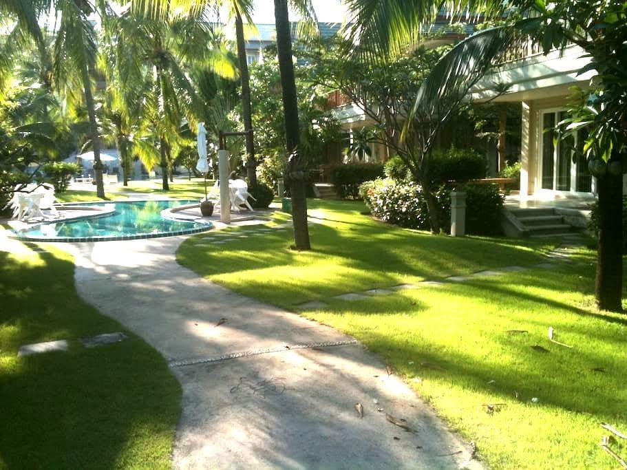 Beachside Condo 107 at Cha Am - Cha-am - Lejlighed