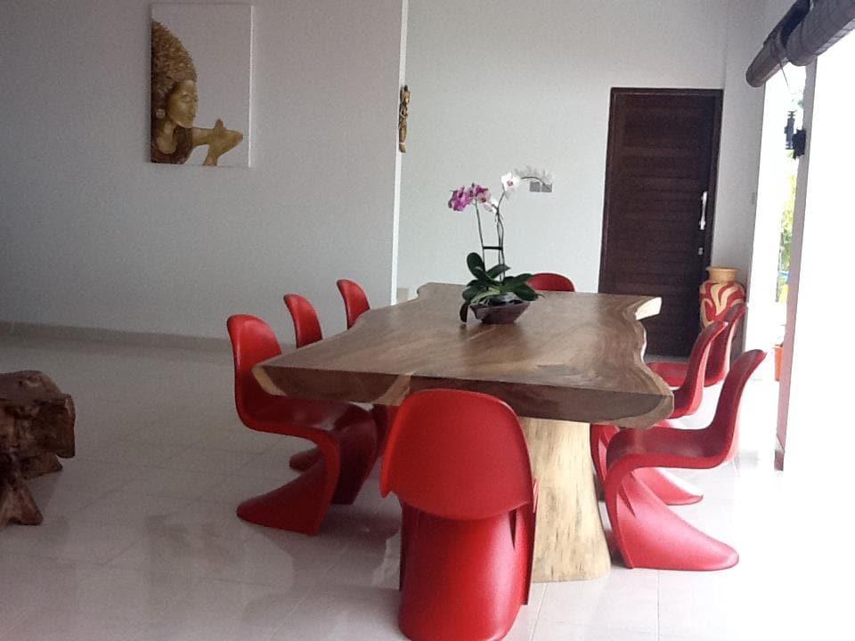 table principale moderne et primitive