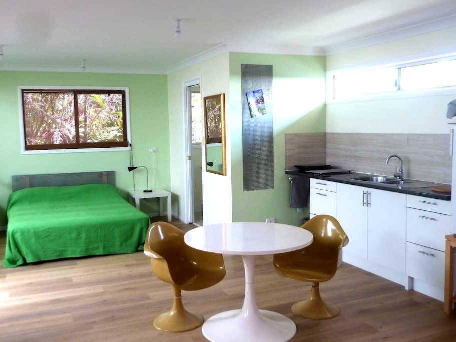 Private relaxing garden studio 400m to town centre - Mullumbimby - Cabin