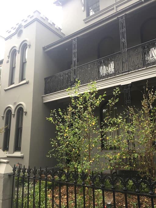 MPR HOUSE: Stylish loft room- park view - Paddington - Huis