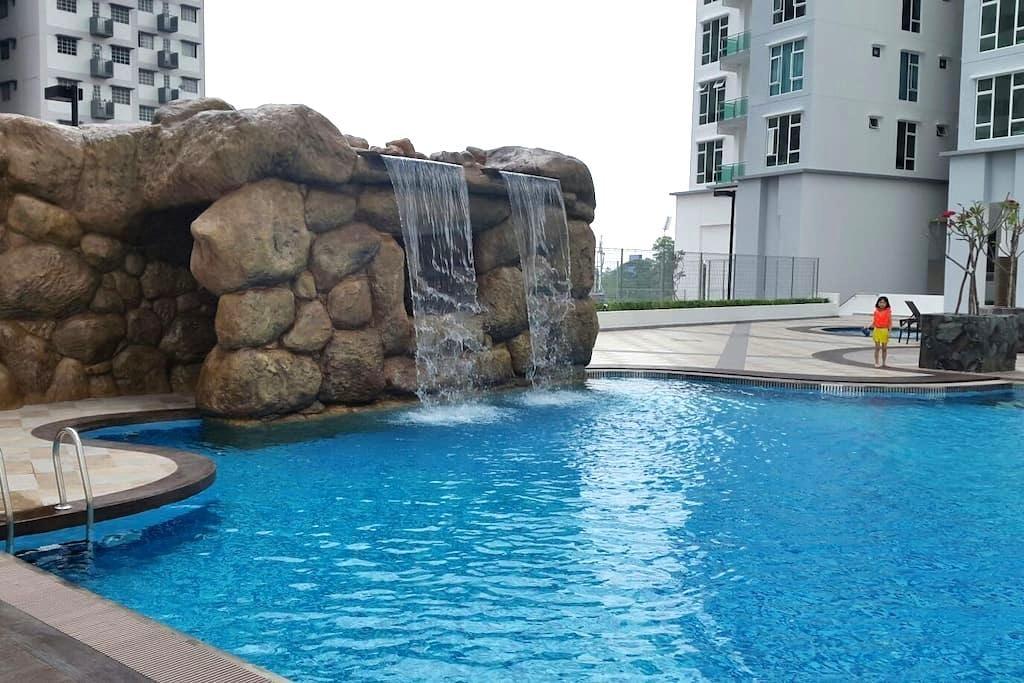 Johor Bahru Homestay 8pax @15m Singapore /Legoland - Johor Bahru - Appartement