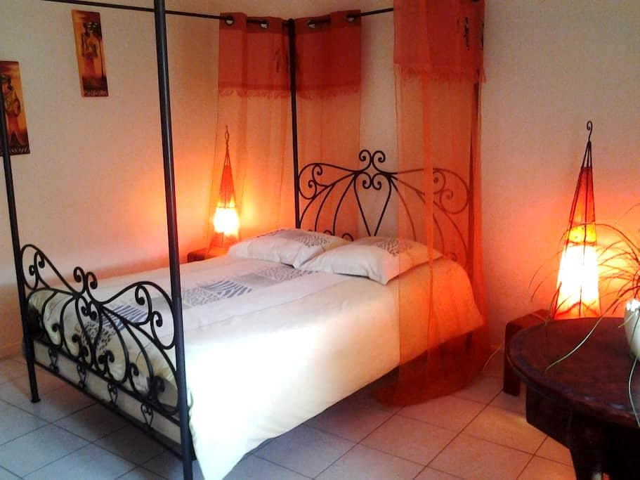 "Chambre ""Africa"" - Ottonville - Bed & Breakfast"