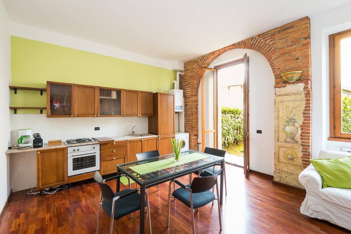 Casa curata,strategica,con giardino