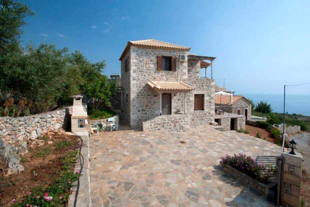 A Stone-house with unique sea view - Lefktro