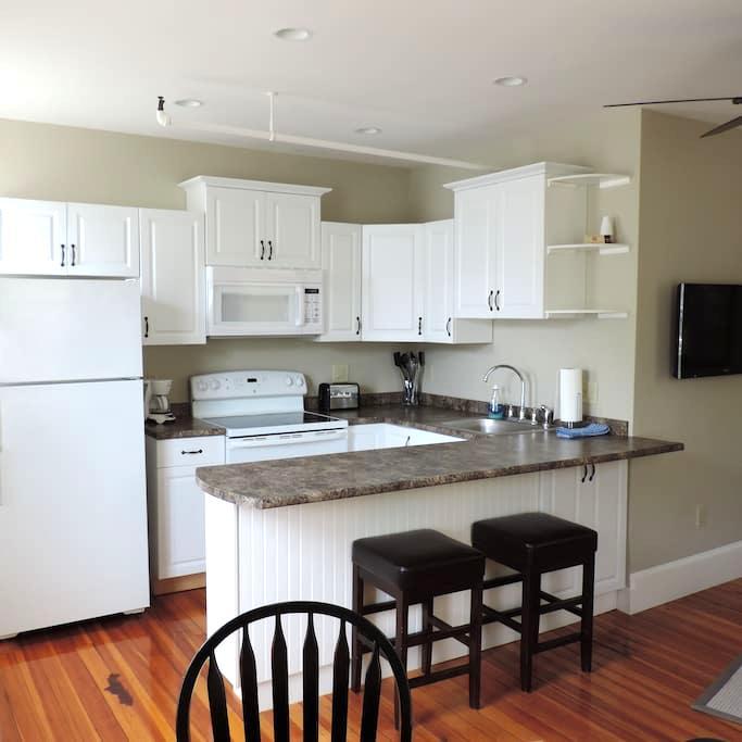 The Cadillac Suite @ The Drydock - Southwest Harbor - Pis