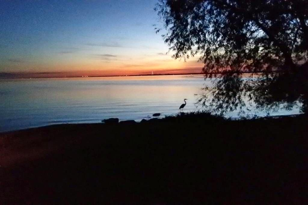 Lake house close to the City - Menasha