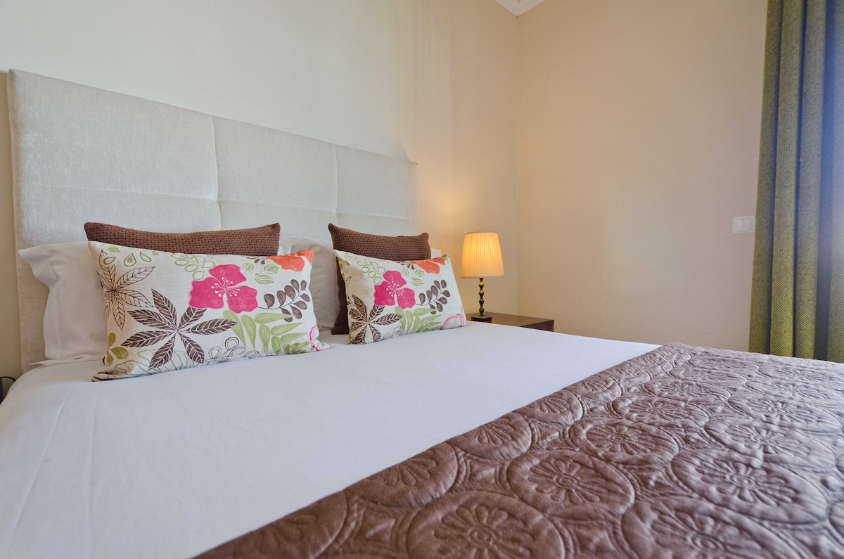 Nicely decorated bedroom with brand new pocket sprung mattress to provide all the comfort during your stay.