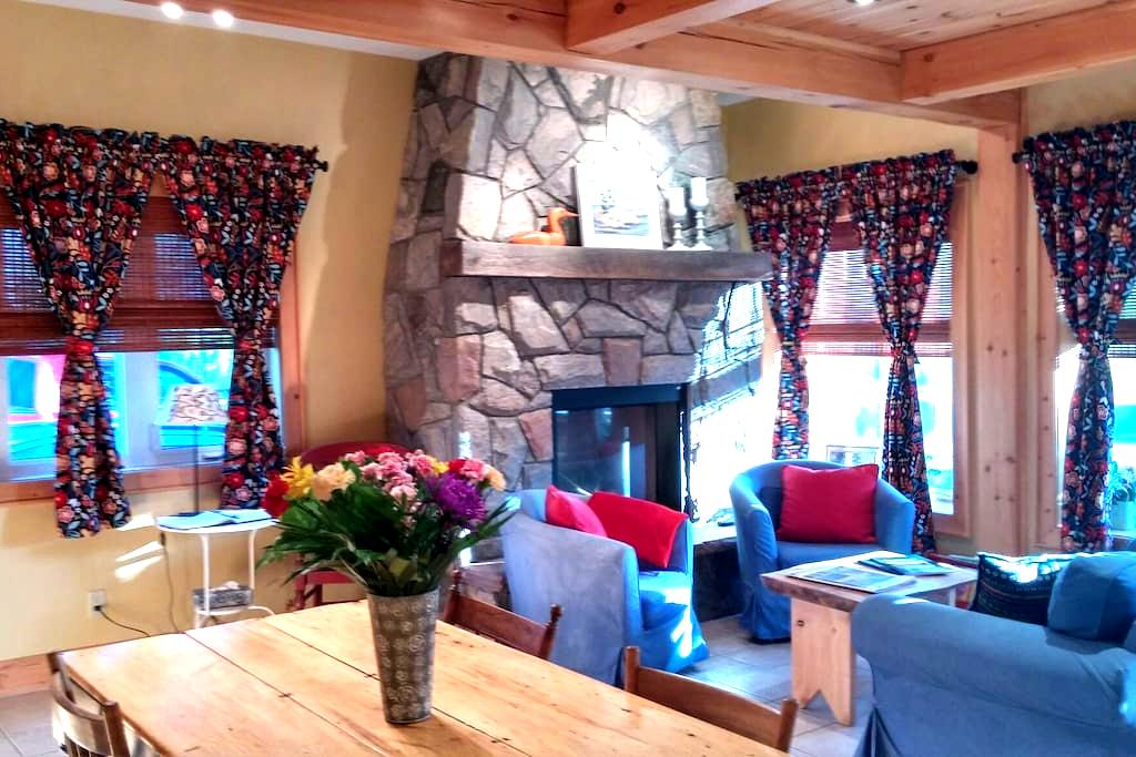 Cozy historic village cottage - Rosseau - Cabane