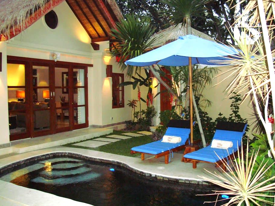 Private Villa for 2 with Pool - Manggis