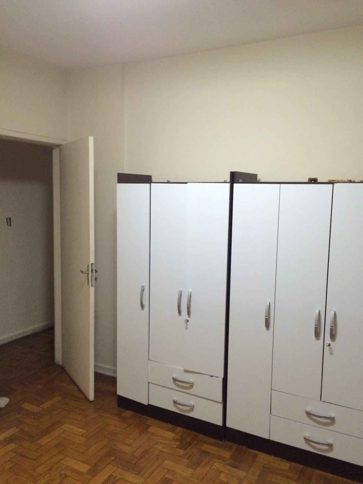 Well located, fully-furnished room