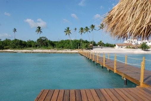 BAYAHIBE  DIRECTLY ON THE SEA