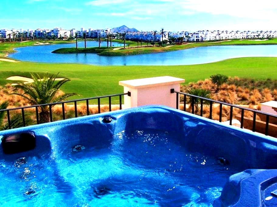 Luxury Lakeside Townhouse & Hot Tub - Torre-Pacheco - Vila